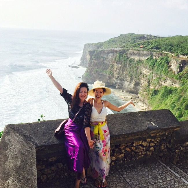 Tourists Get Stuck In Bali Due To A Volcano But They Don't Seem To Mind (24 pics)