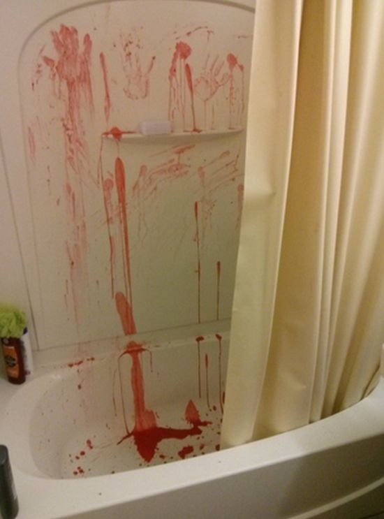 Hilarious Bathroom Pranks That Will Make You Pee Yourself (17 pics)