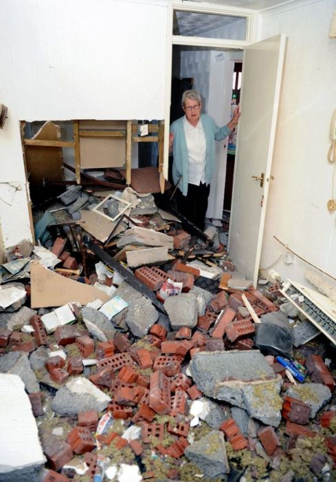 Drunk Driver Crashes Car Into 82 Year Old Woman's House (12 pics)