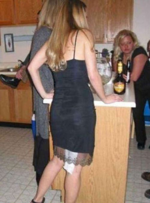 Dumb Blondes That Totally Live Up To The Stereotype (17 pics)