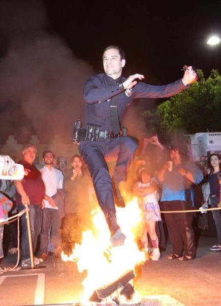 Photos That Proove Cops Know How To Have Fun Too (47 pics)