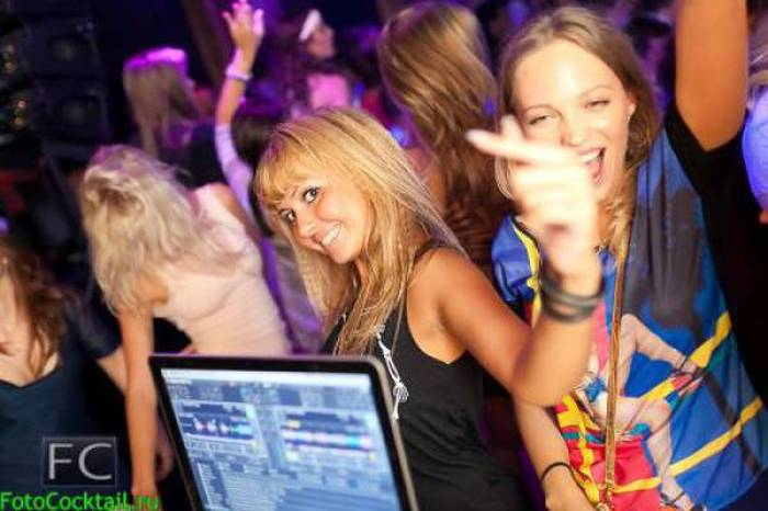 You Just Never Know What You'll See In A Russian Club (60 pics)