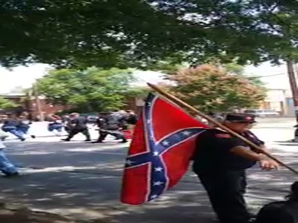 KKK Marchers Going To Rally