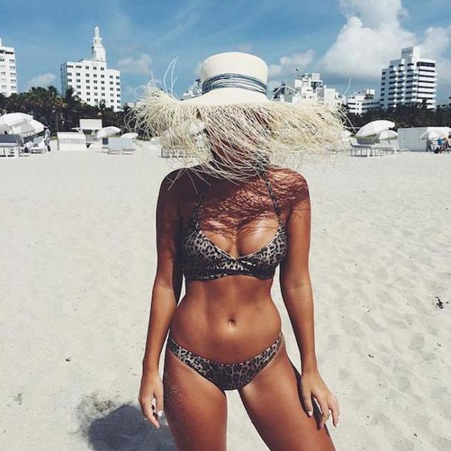 Sexy Girls Make The World Go Round (32 pics)