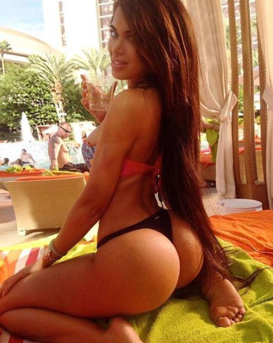 Sexy Girls Make The World Go Round (32 pics)
