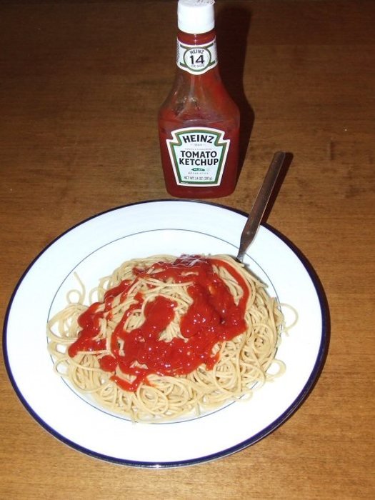 15 Bizarre Ways People Eat Their Food (15 pics)