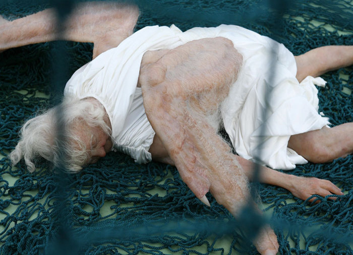 This Realistic Sculpture Of A Fallen Angel Is Absolutely Terrifying (5 pics)