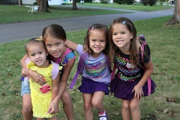 Mother Adopts Best Friend's Four Daughters After Losing Her To Cancer (6 pics)