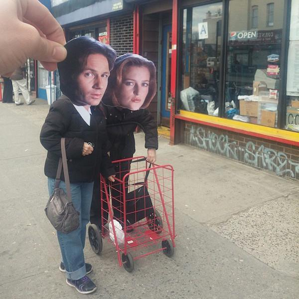 Celebrity Heads Get Placed On Random People's Bodies (33 pics)
