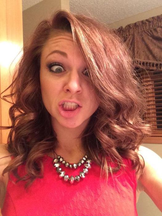 Every Man Needs A Hot Goofy Girl In His Life (41 pics)