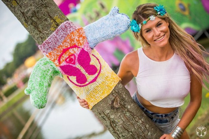 The Hottest Women From The 2015 Tomorrowland Festival (30 pics)