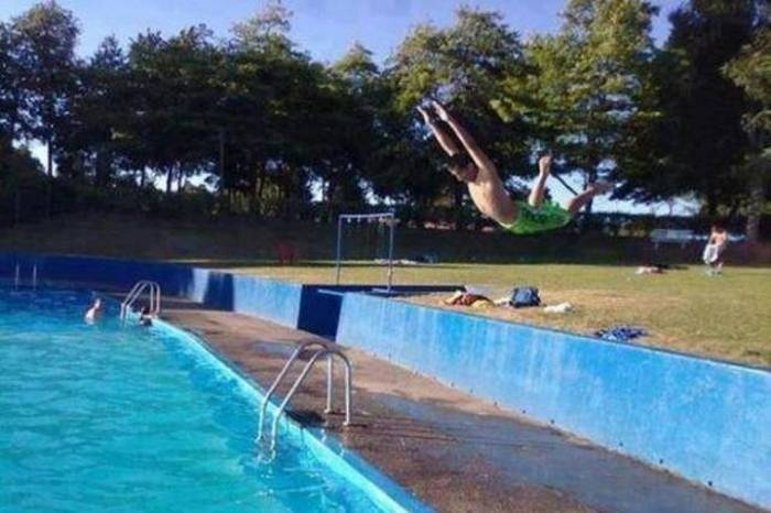 Actions Shots That Were Taken Seconds Before A Disaster (58 pics)