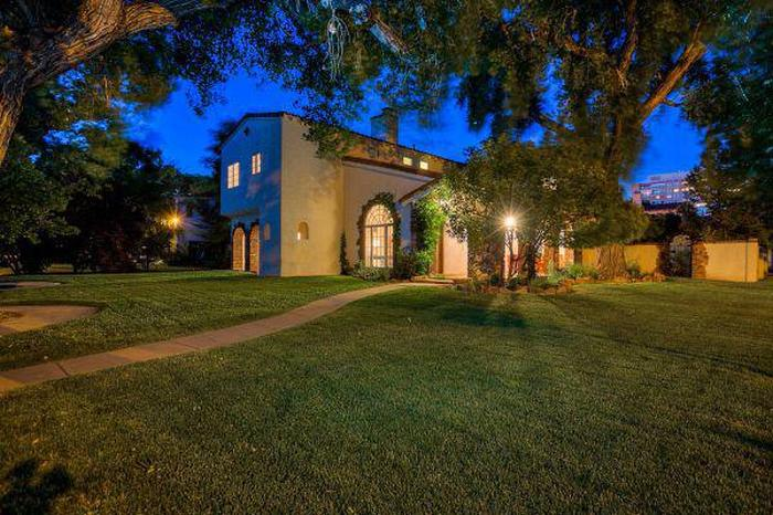 Jesse Pinkman's House From Breaking Bad Is Now On the Market (11 pics)