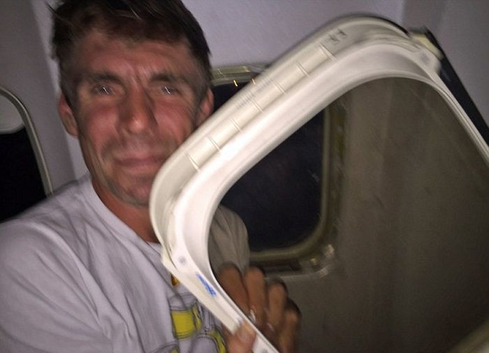 Man On Flight Says He Was Traumatized After A Window Fell Into His Lap (2 pics)