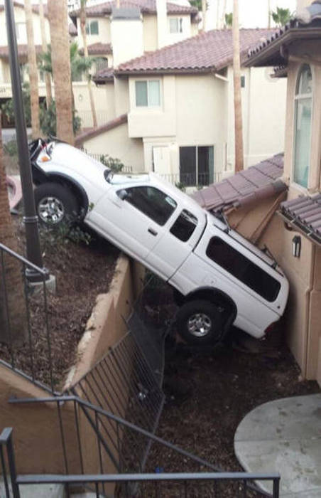 Brutal And Ridiculous Car Fails (41 pics)