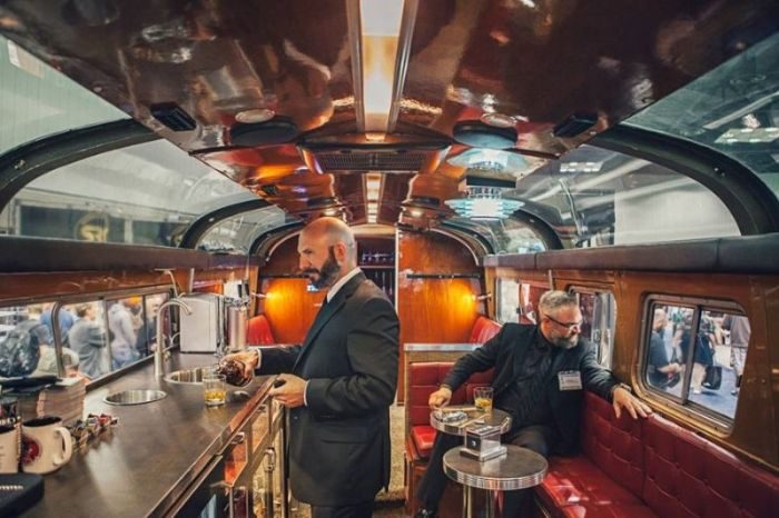 This Bus Is A Bachelor Party On Wheels (13 pics)