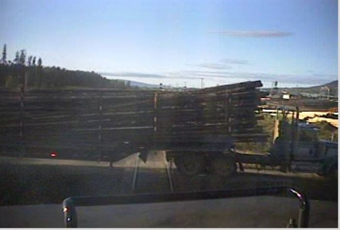 Train Derails After A Brutal Collision With A Timber Truck (13 pics)
