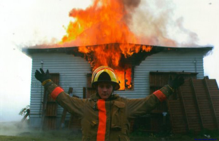 Happy Pictures That Were Taken As The Background Burned To The Ground (20 pics)