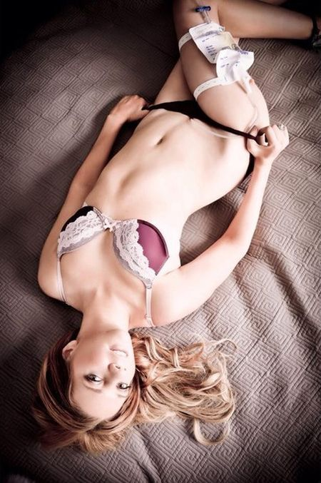 Paralyzed Woman Shows That People Will Disabilities Can Still Be Sexy (6 pics)