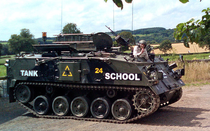 101 Year Old Woman Celebrates Her Birthday By Driving A Tank (3 pics)