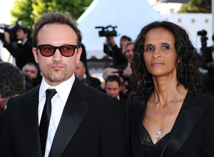 Famous Actors And Their Not So Famous Wives (14 pics)
