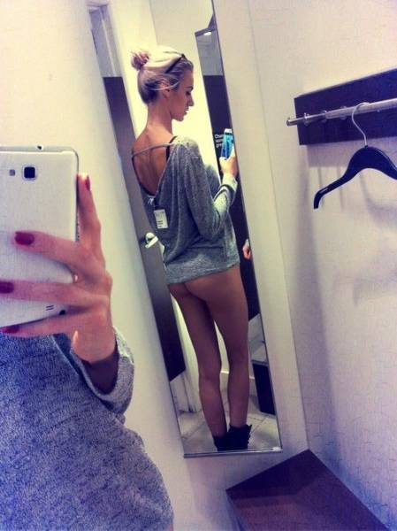 Hot Girls Just Love To Take Selfies In The Changing Room (49 pics)