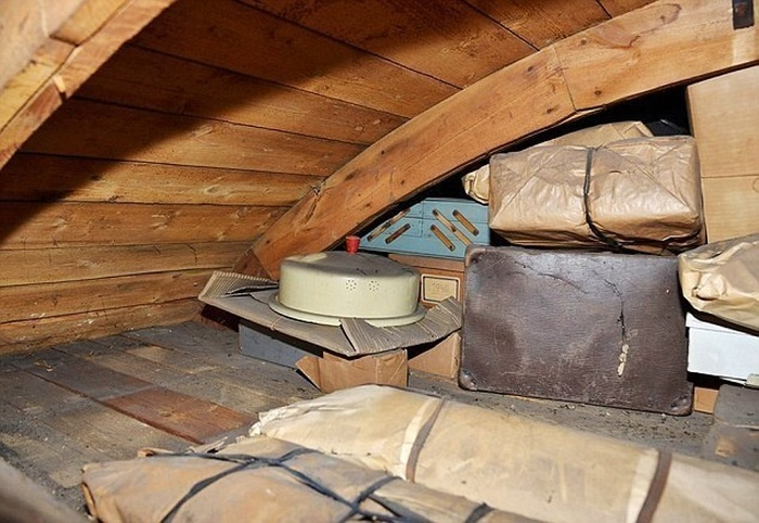 He Pulled A Secret String In The Attic And Found Something Incredible (12 pics)