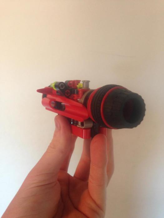 Man Builds Incredible Toy Gun Using Only Legos (12 pics)