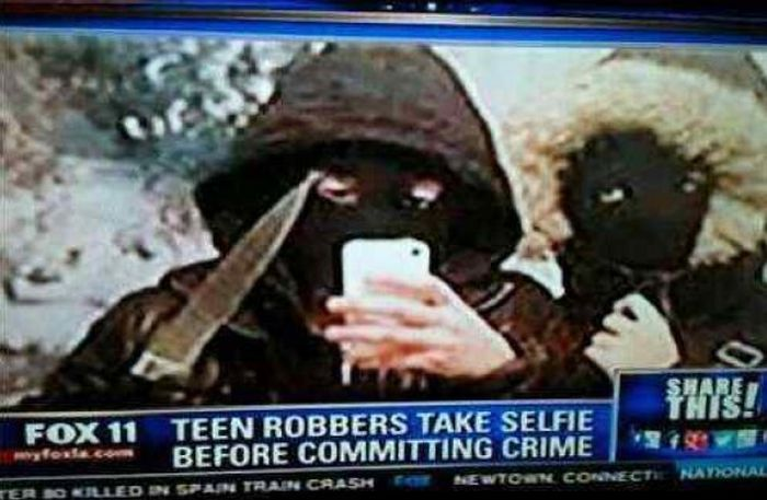 Inappropriate Selfies Taken At The Worst Possible Times (15 pics)