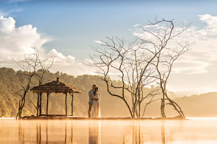 Photos Of Lovers In Stunning Locations Will Make You Want To Travel The World (40 pics)