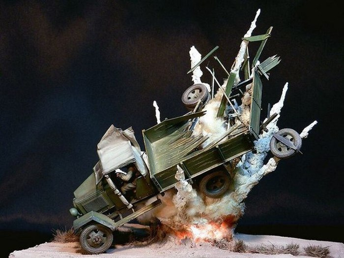 Amazing Diorama Perfectly Recreates The Image Of An Exploding Car (6 pics)