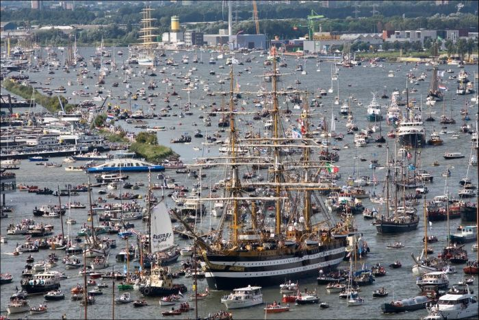 The Sail Amsterdam Festival Kicks Off With A Massive Gathering Of Boats (7 pics)