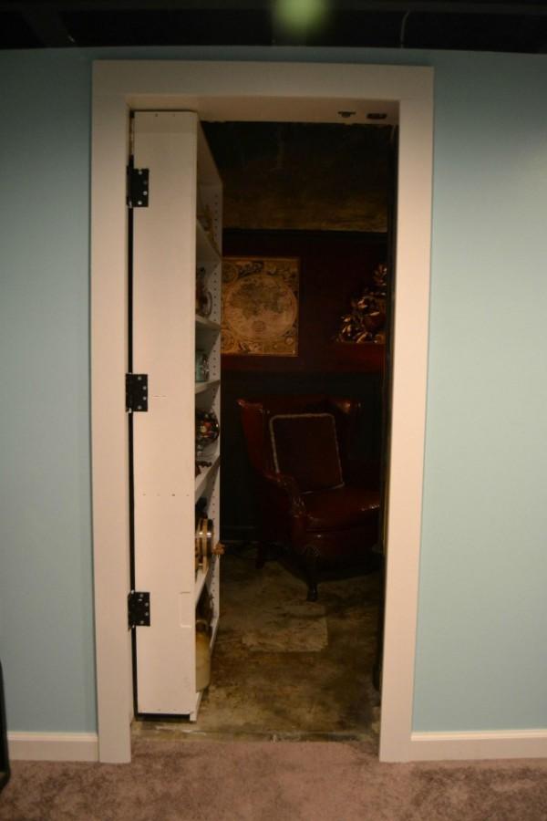 Hidden Behind This Shelf Is A Secret Man Cave (14 pics)