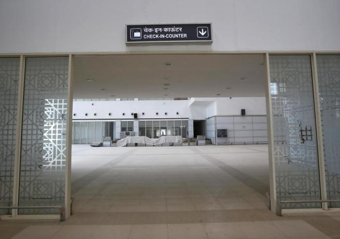 Abandoned Airport in India (19 pics)