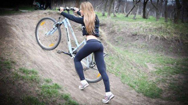 Κορίτσια Και Ποδήλατα (52 pics)
