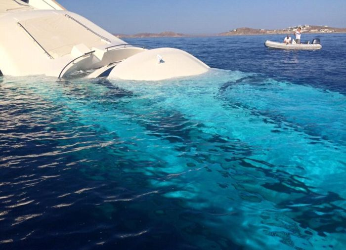 Heartbreaking Photos Show A $6 Million Dollar Yacht Sinking Into The Water (9 pics)
