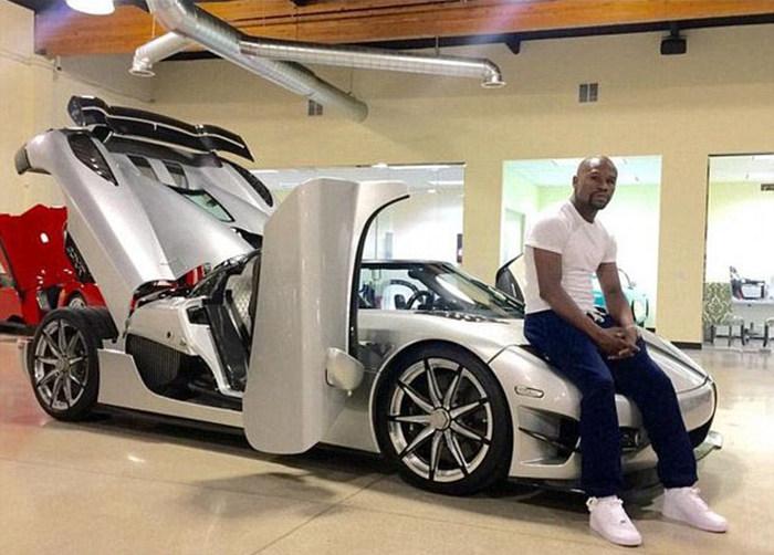 Floyd Mayweather Buys New $4.8 Million Dollar Car (5 pics)