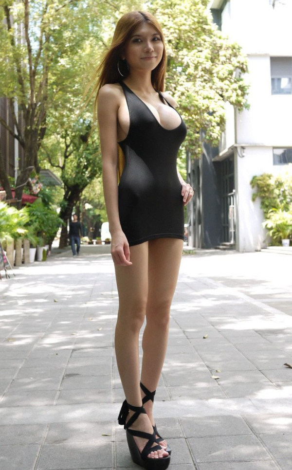 How Can This Girl Hide Something (6 pics)