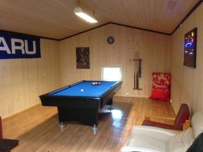 With A Little Bit Of Work This Collapsed Barn Became The Ultimate Billiard Room (25 pics)