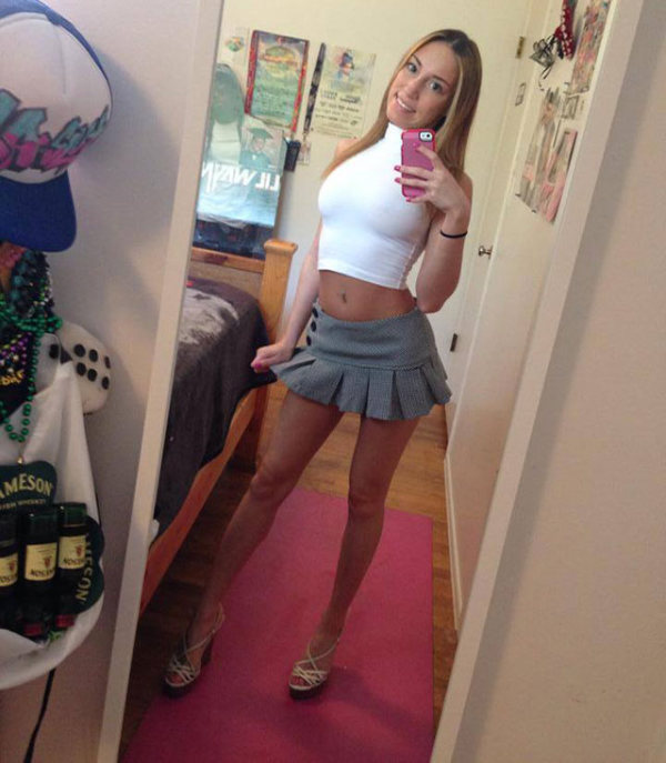 Long Legs Teen Pics