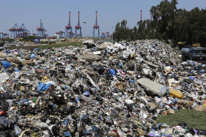 The Garbage Crisis In Beirut (18 pics)