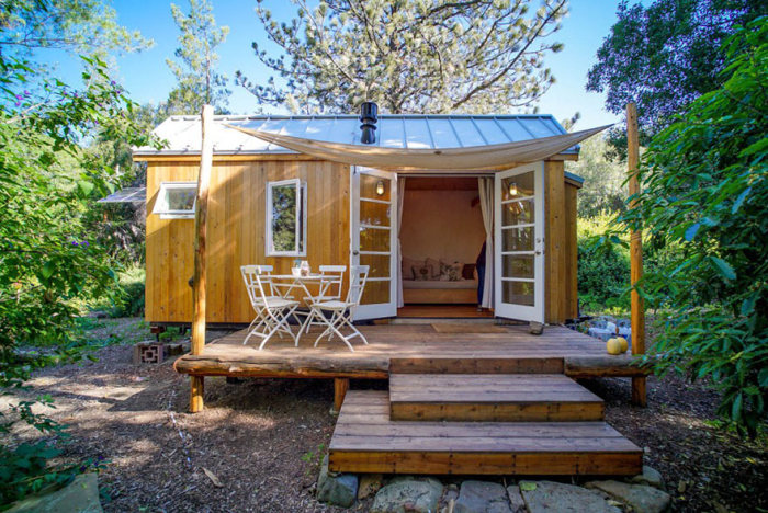 People Live In Tiny Houses That Are Really Awesome (26 pics)