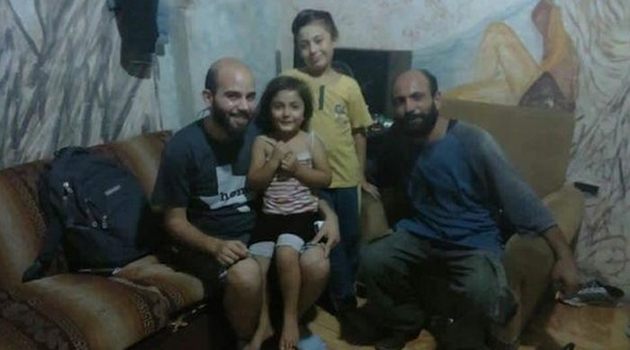 Syrian Refugee Becomes $50,000 In Donations (6 pics)