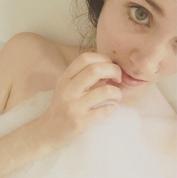 Bubble Bath Girls (21 pics)