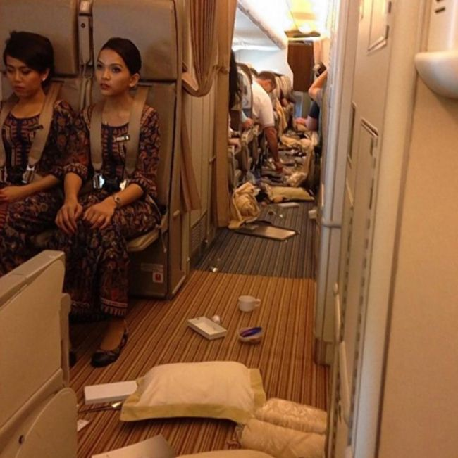 Aftermath Of The Turbulence (12 pics)