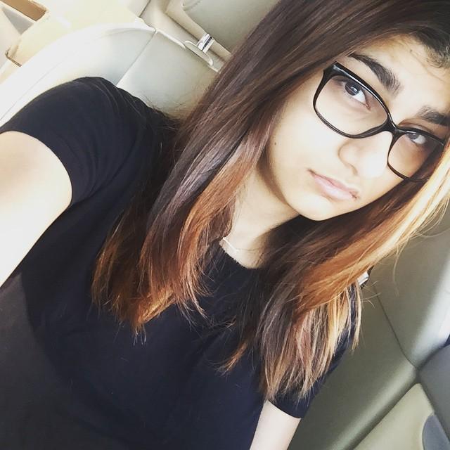 Hot Girls Wearing Glasses 30 Pics-6384