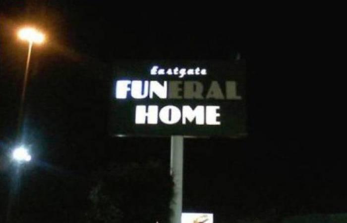 WTF Signs (45 pics)
