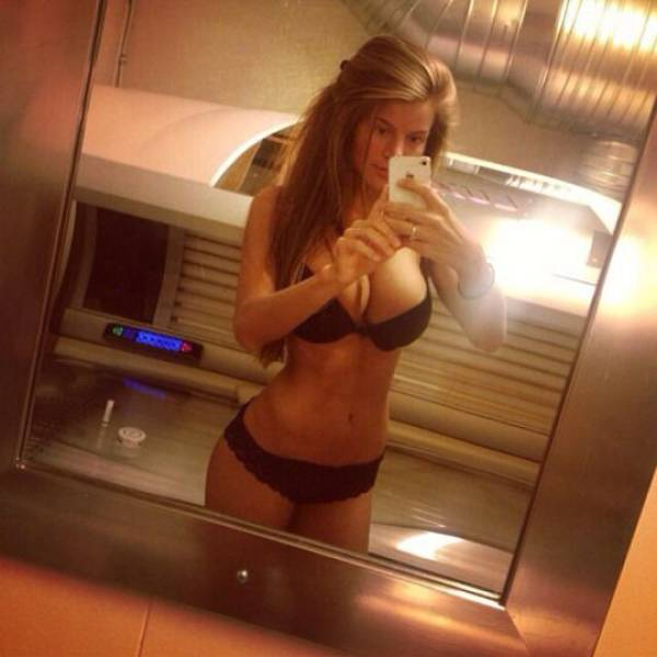 Hot Busty Girls (65 pics)