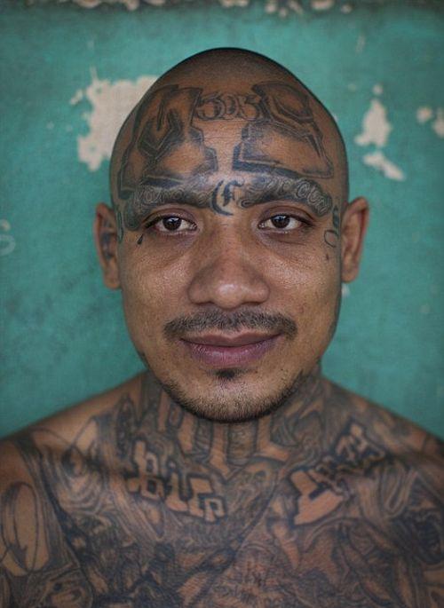 Inmates In El Salvador (10 pics)