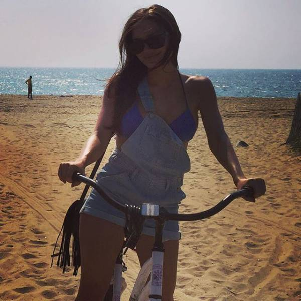 Chelsea Marr Is Angelina Jolie U2019s Doppelganger  24 Pics